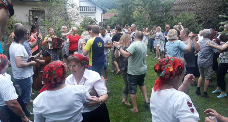 Grupa Latvijaca posjetila naše područje - uživali u običajima i bogatoj enogatro ponudi