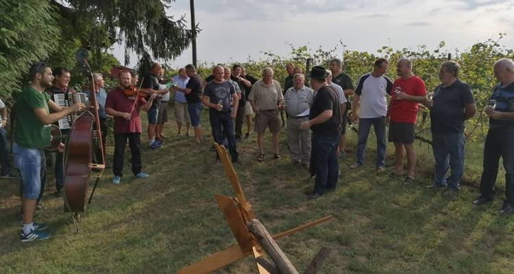 "Na obiteljskom gospodarstvu ""Šipek"" vinogradari proslavili tradicionalno Bartolovo"